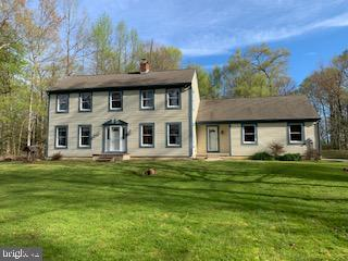 Villa per Vendita alle ore 665 BURLINGTON Road Elmer, New Jersey 08318 Stati Uniti