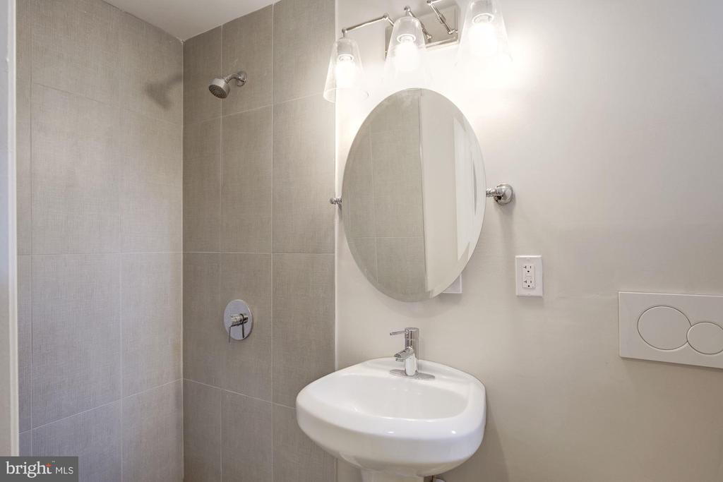 Basement Full Bath - 1021 CRITTENDEN ST NE, WASHINGTON