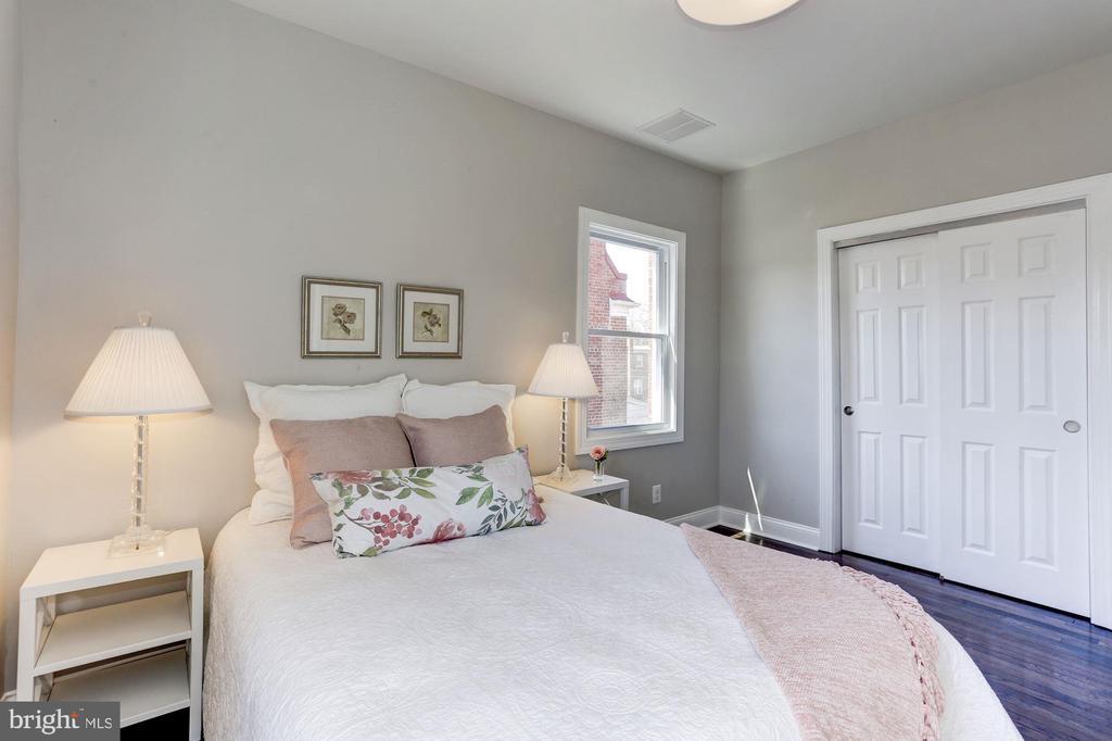 Master Bedroom - 1021 CRITTENDEN ST NE, WASHINGTON