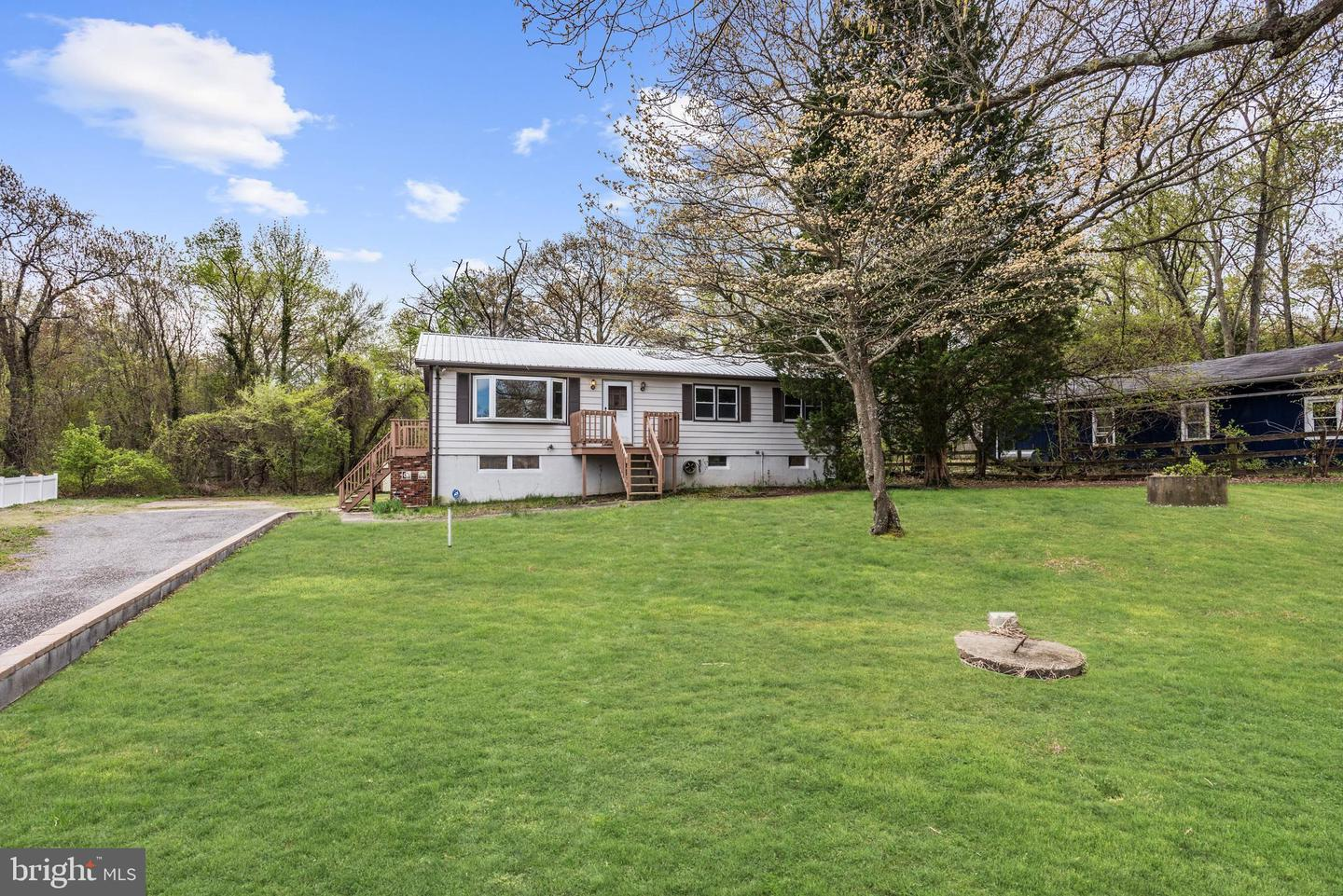 Additional photo for property listing at 1009 Shore Acres Rd Arnold, Maryland 21012 United States