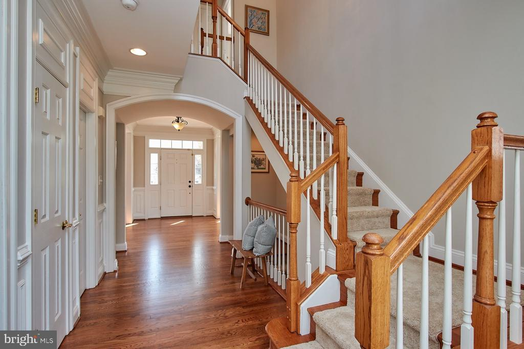 View from rear of Foyer - 9742 KINLOSS MEWS, BRISTOW
