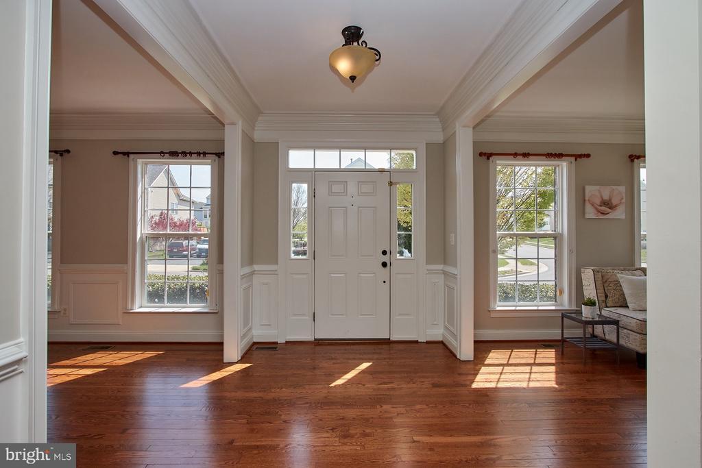 Refinished Hardwood Floors on Main Level - 9742 KINLOSS MEWS, BRISTOW