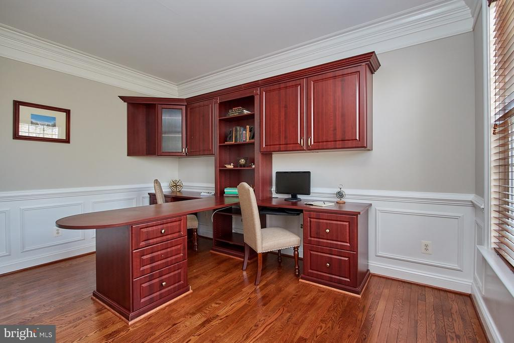 French Doors lead into office - 9742 KINLOSS MEWS, BRISTOW