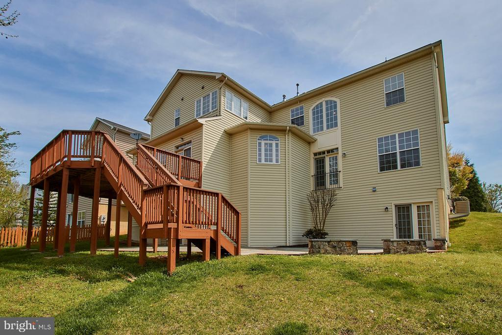 Oversized deck- great for entertaining! - 9742 KINLOSS MEWS, BRISTOW