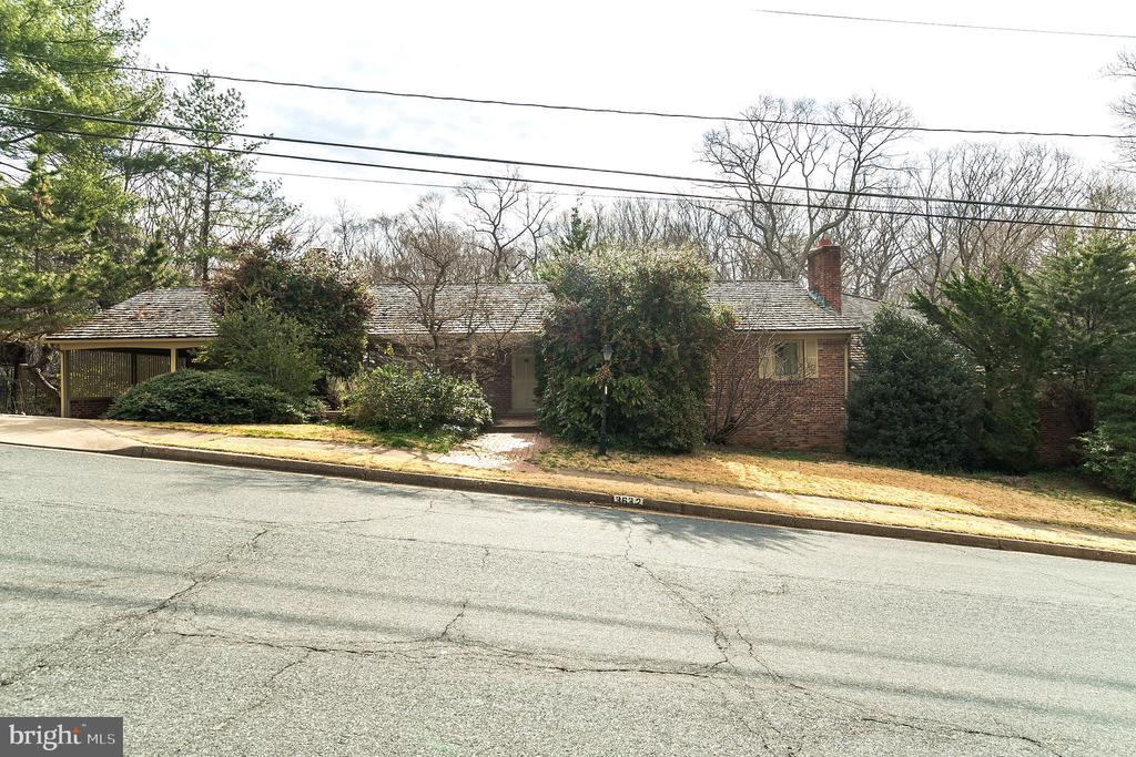 3632  36TH ROAD N, Arlington, Virginia