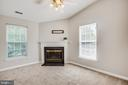 Sitting room off of the master with gas fireplace - 79 NORTHAMPTON BLVD, STAFFORD