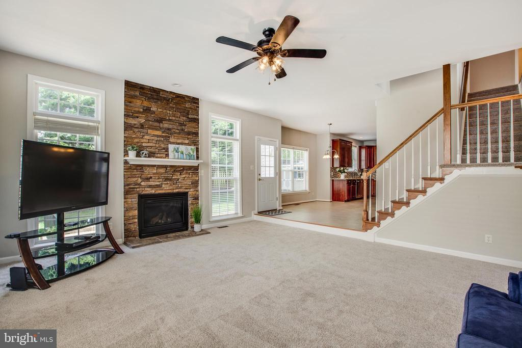 Sunken family room with gas fireplace - 79 NORTHAMPTON BLVD, STAFFORD