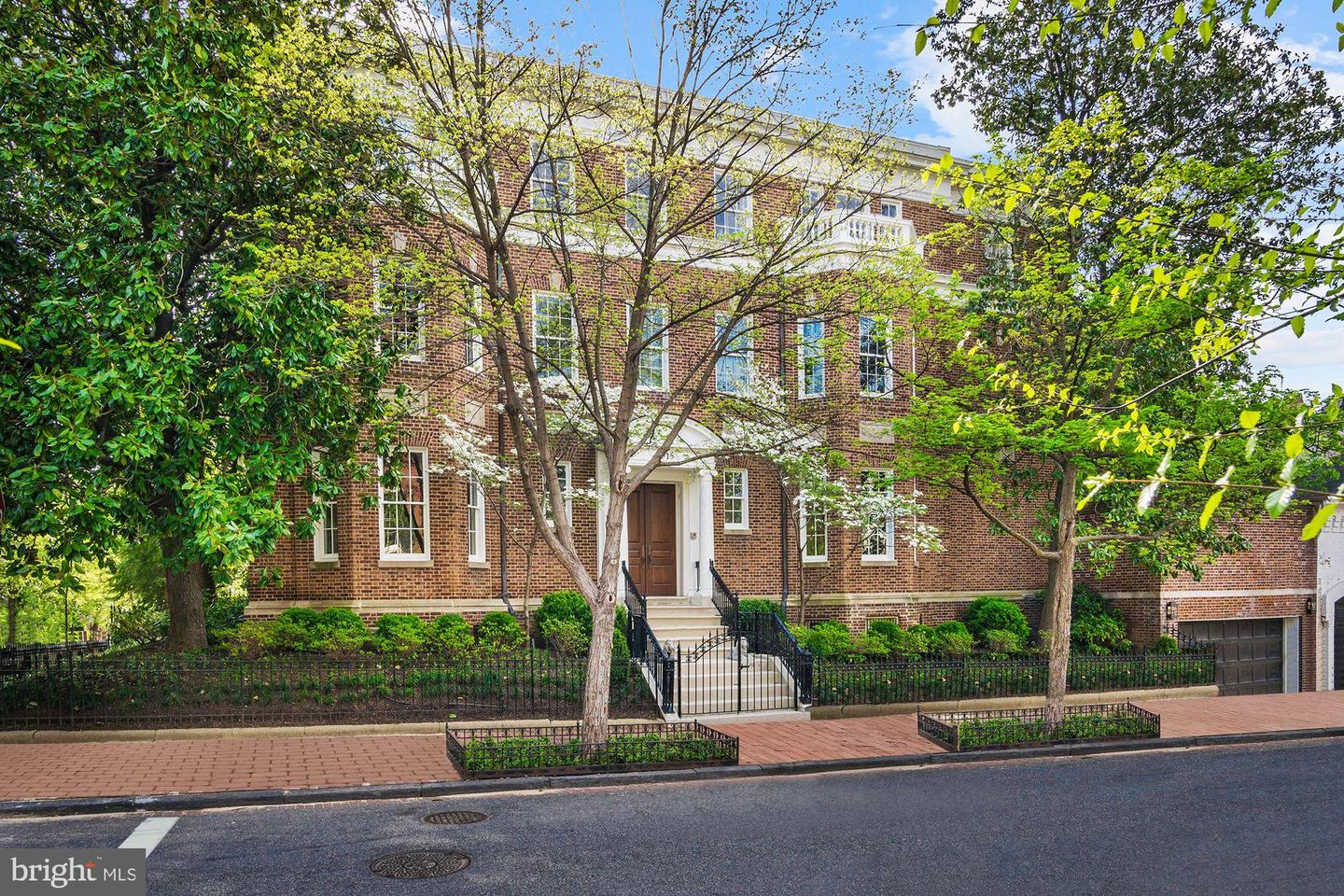 Single Family Home for Sale at 1315 31st St NW Washington, District Of Columbia 20007 United States