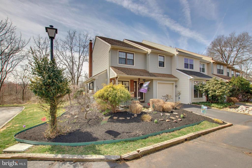 11 E RIDGE MEWS, Newtown in BUCKS County, PA 18940 Home for Sale