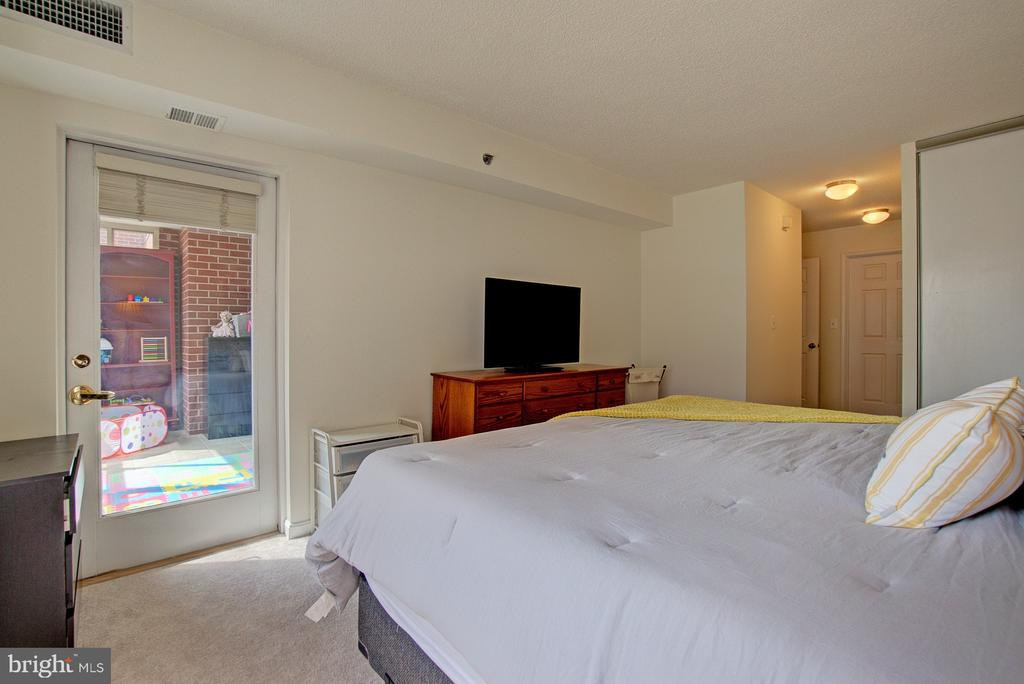Access to sun room from master - 2181 JAMIESON AVE #607, ALEXANDRIA