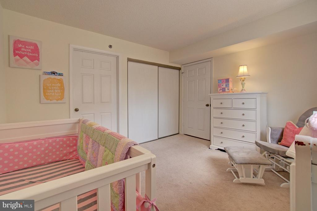 Large closet and private bath - 2181 JAMIESON AVE #607, ALEXANDRIA
