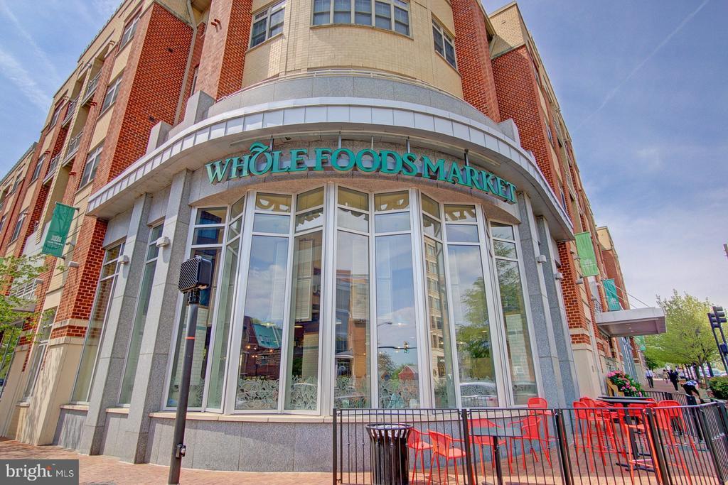 Whole Foods...you can blocks away - 2181 JAMIESON AVE #607, ALEXANDRIA