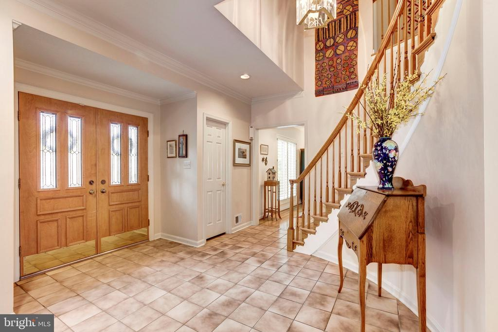 Foyer - 4901 ESSEX AVE, CHEVY CHASE