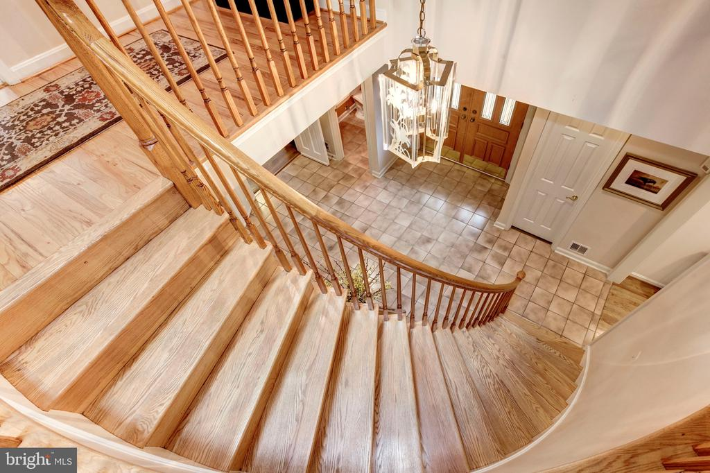 Stair Detail - 4901 ESSEX AVE, CHEVY CHASE