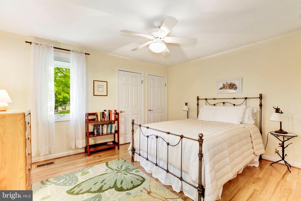 Second Bedroom - 4901 ESSEX AVE, CHEVY CHASE