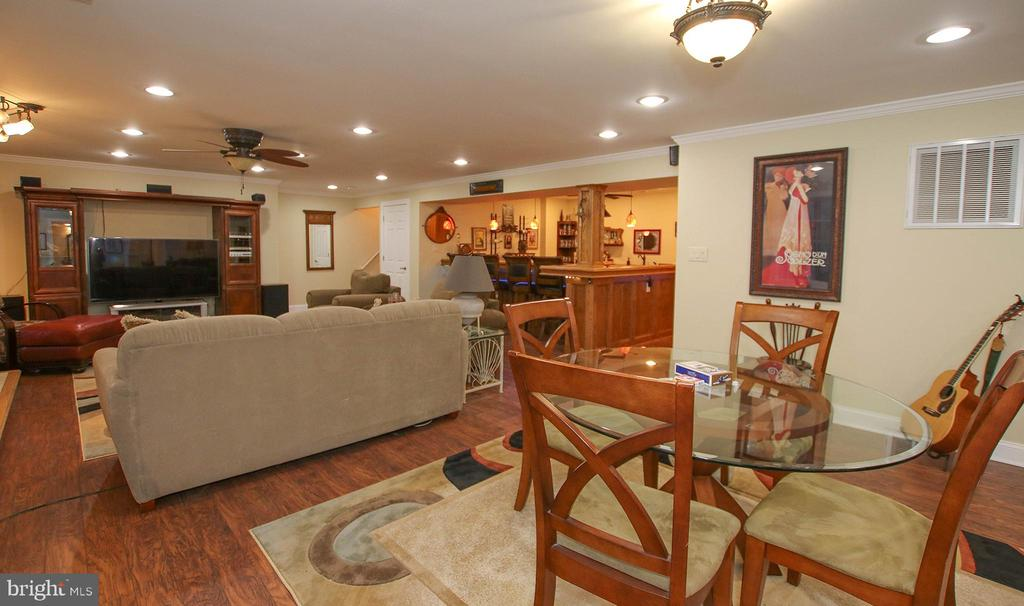 or fabulous rec room! Bring the pool table! - 800 CATTAIL RD, WINCHESTER