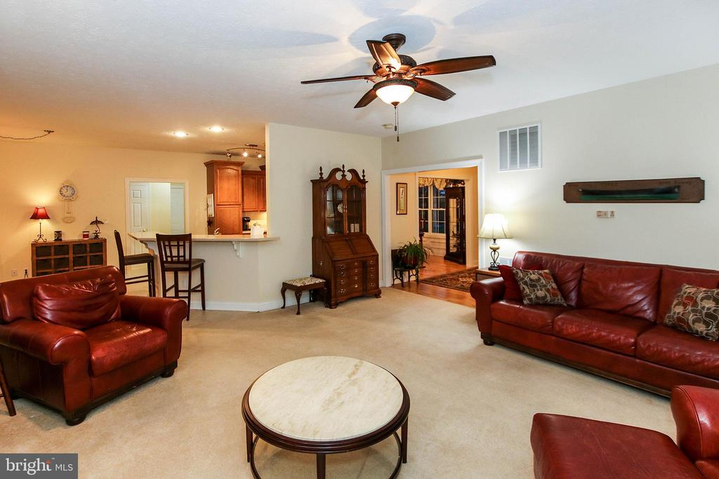 Bright, open floor plan - 800 CATTAIL RD, WINCHESTER