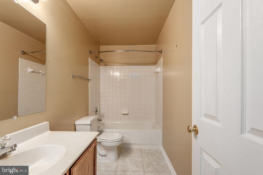Upstairs full bath hall - 13 HARRY CT, STAFFORD