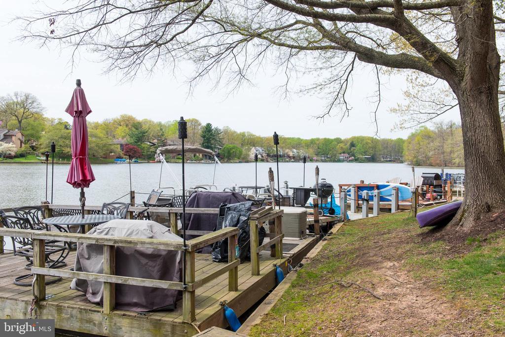 Dockboats are allowed - 11114 HARBOR CT, RESTON