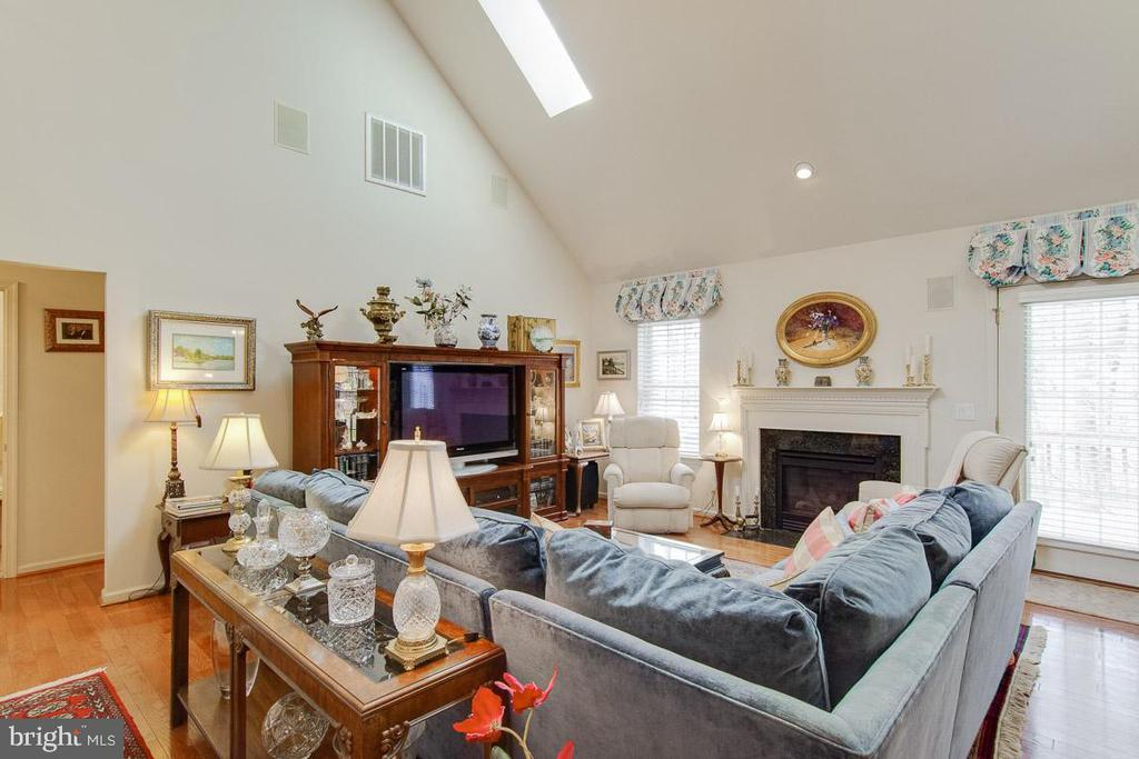 Living Room with  Skylights - 3413 LAKEVIEW PKWY, LOCUST GROVE