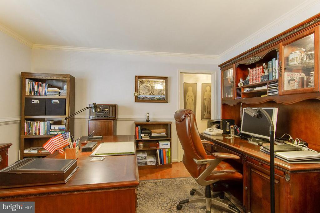 Spacious Office - 3413 LAKEVIEW PKWY, LOCUST GROVE