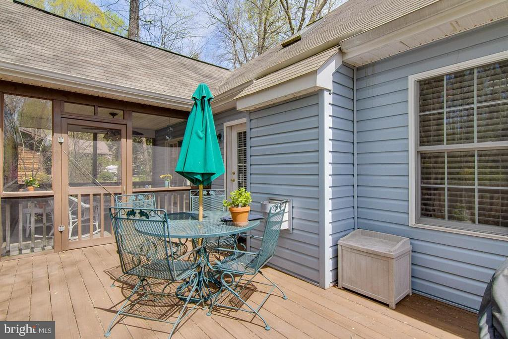 Outdoor Living - 3413 LAKEVIEW PKWY, LOCUST GROVE