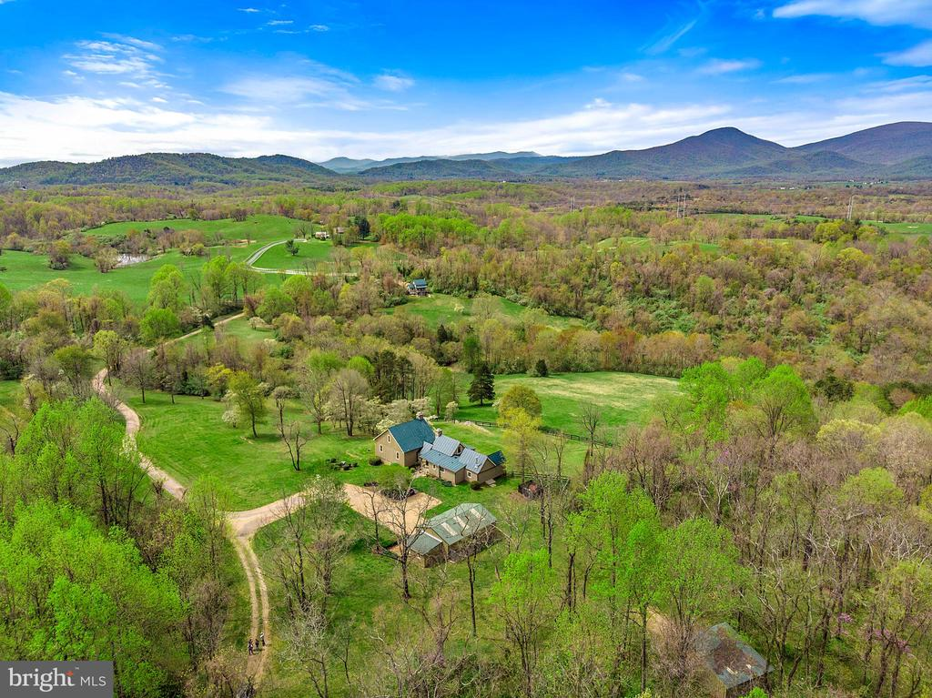 Vast views and privacy - 43 GRUNKLE LN, FLINT HILL