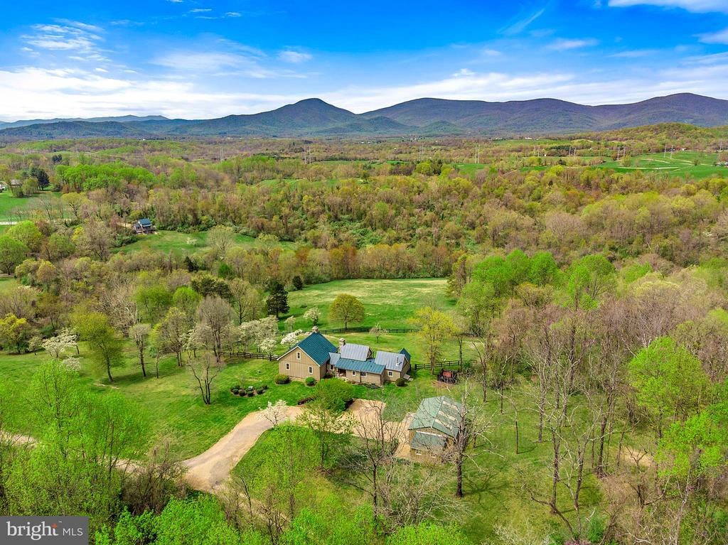 Grunkle Farm w views of the Blue Ridge Mountains - 43 GRUNKLE LN, FLINT HILL