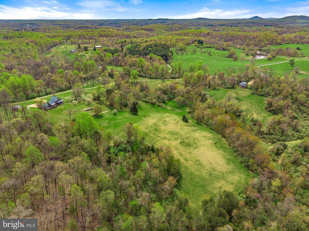 Views, privacy, and seclusion - 43 GRUNKLE LN, FLINT HILL