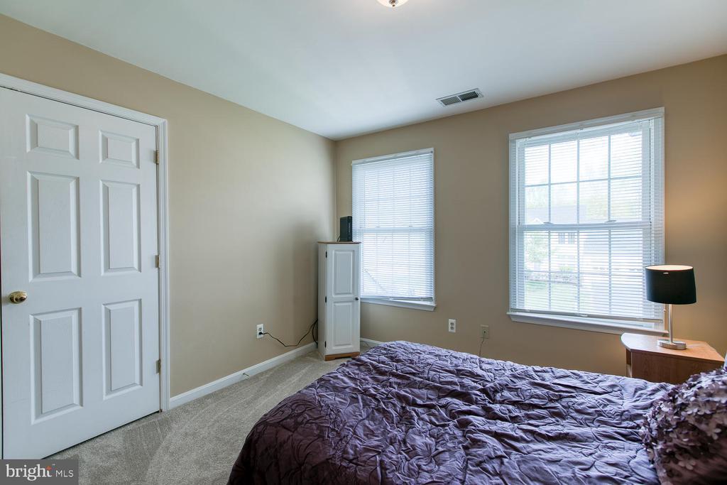 - 4 BARLOW HOUSE CT, STAFFORD