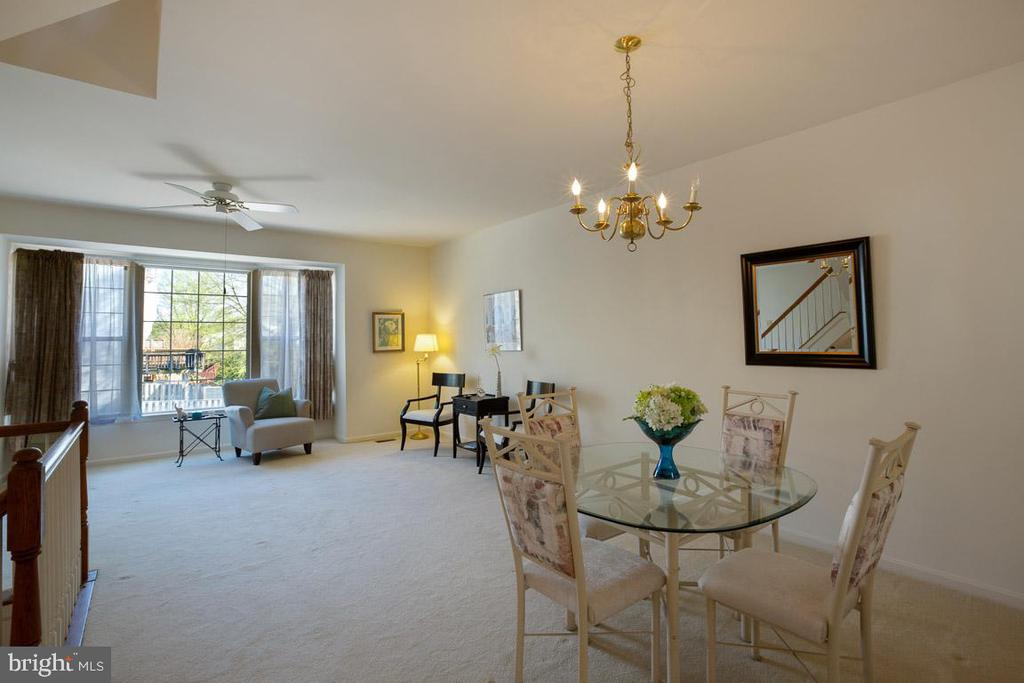 Open floor plan - 13102 KIDWELL FIELD RD, HERNDON
