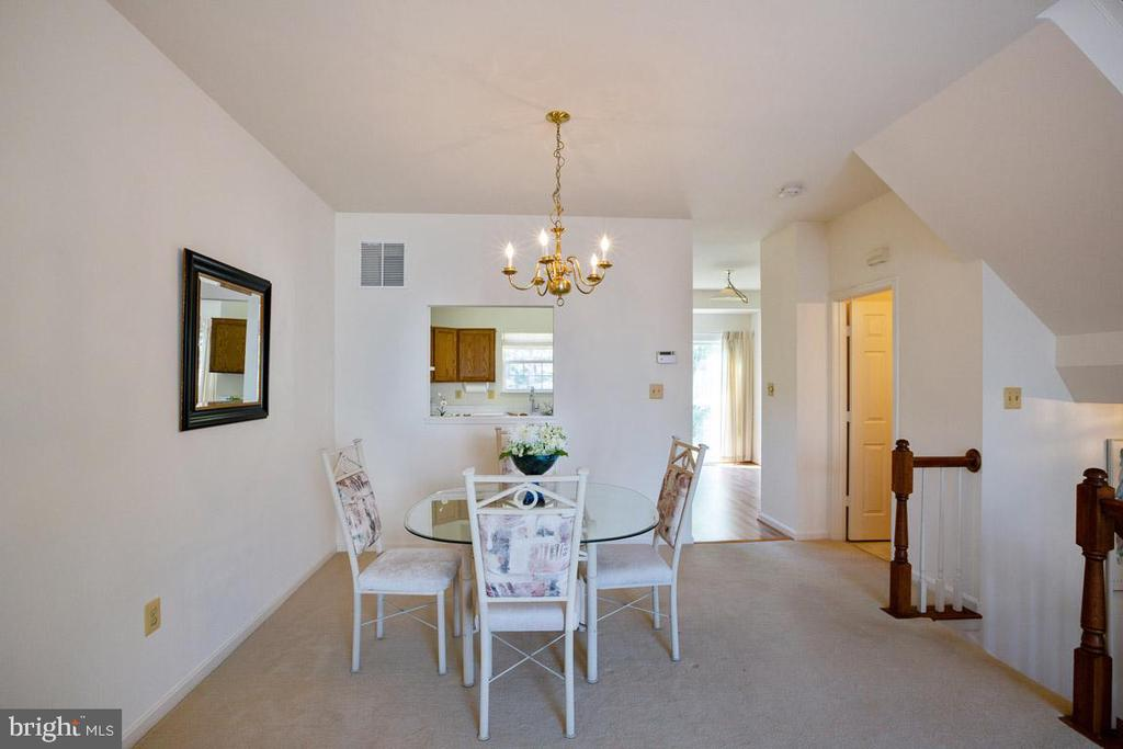 Dinning room - 13102 KIDWELL FIELD RD, HERNDON