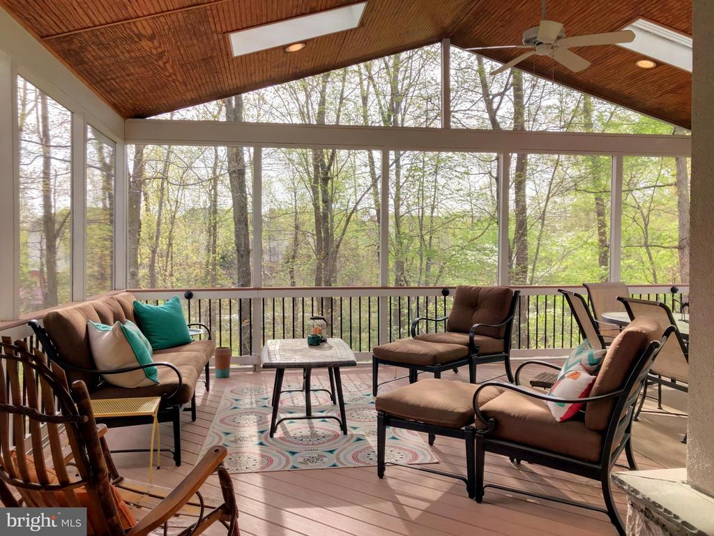 Screened porch - 20145 BLACK DIAMOND PL, ASHBURN