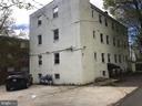 Building view/parking - 4130 4TH ST SE #4, WASHINGTON