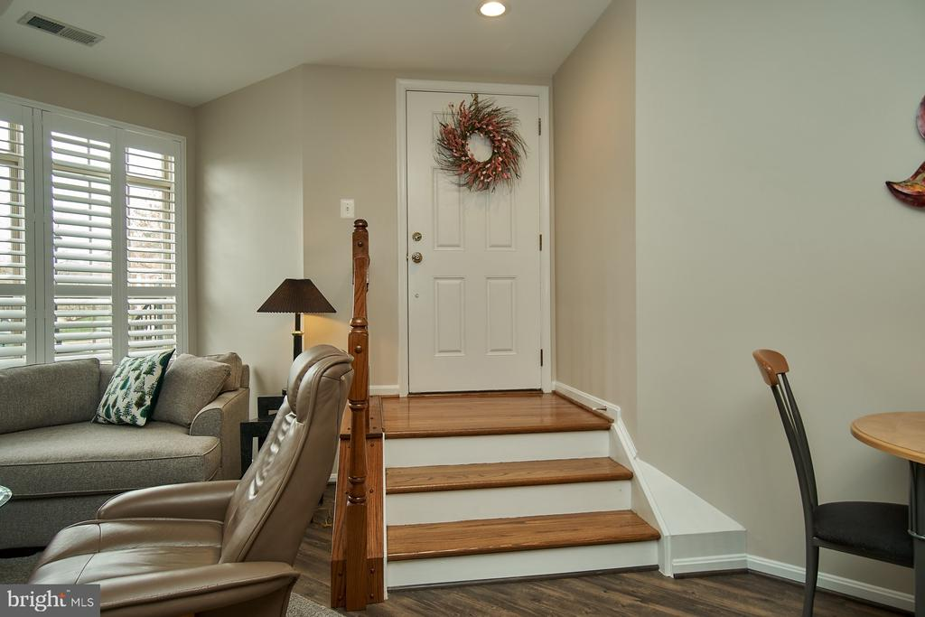 Beautifully maintained inside - 7953 CRESCENT PARK DR #153, GAINESVILLE