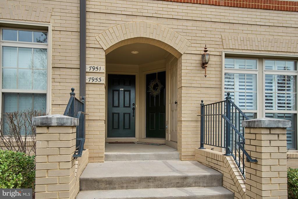 Close proximity to town center - 7953 CRESCENT PARK DR #153, GAINESVILLE