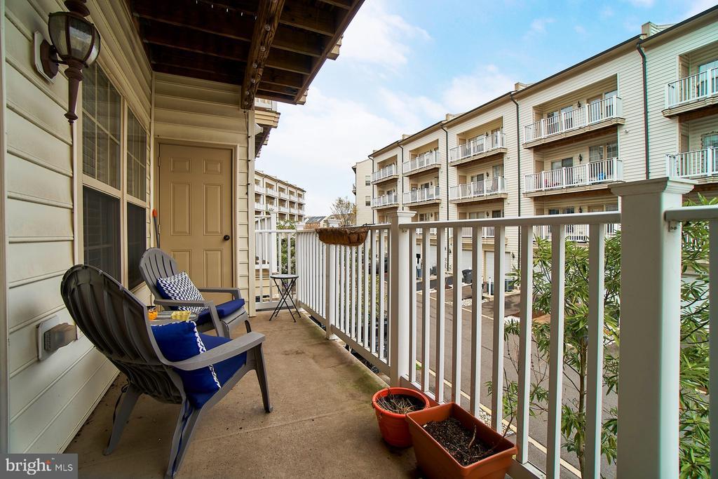 Rear balcony - 7953 CRESCENT PARK DR #153, GAINESVILLE