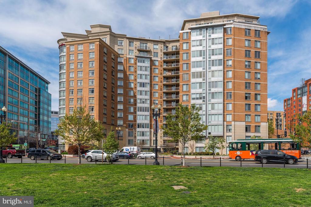 Beautiful building with loads of amenities! - 555 MASSACHUSETTS AVE NW #217, WASHINGTON