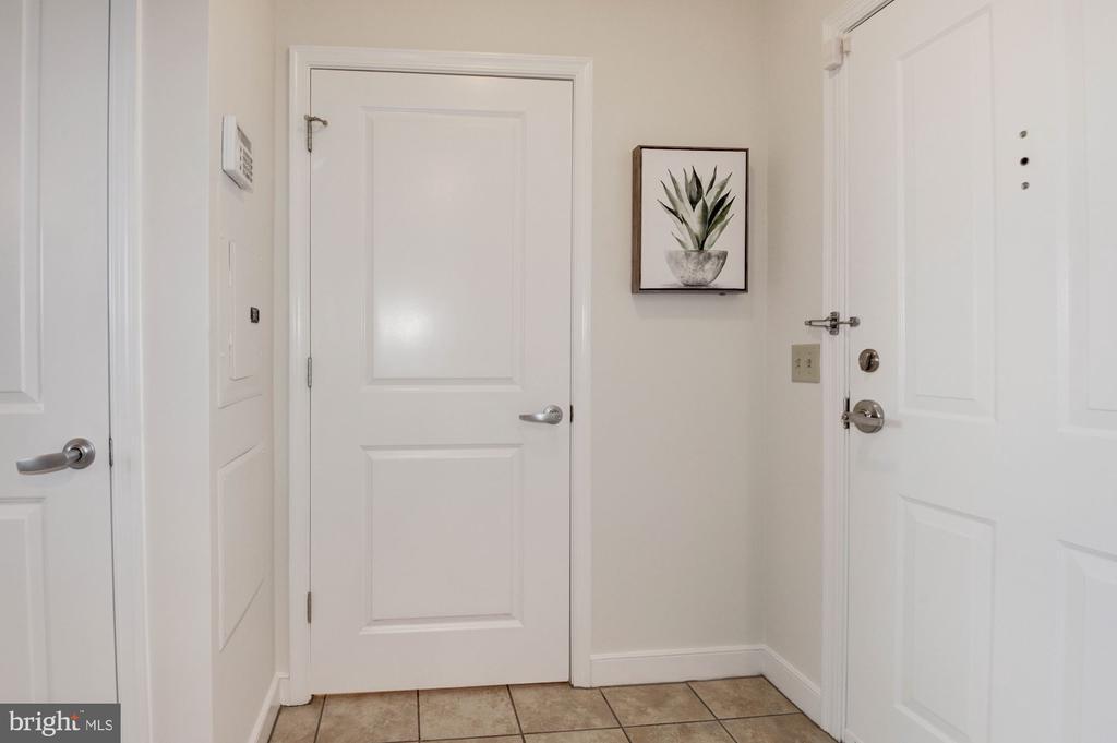 Entrance into your new condo - 555 MASSACHUSETTS AVE NW #217, WASHINGTON