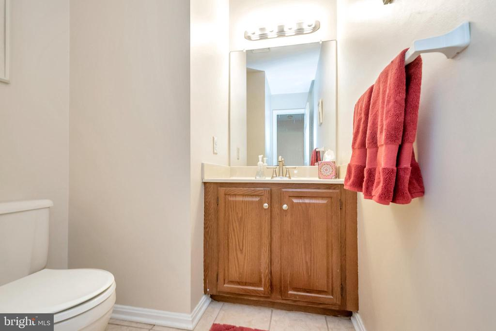 Half bathroom - 2999 LUSITANIA DR, STAFFORD