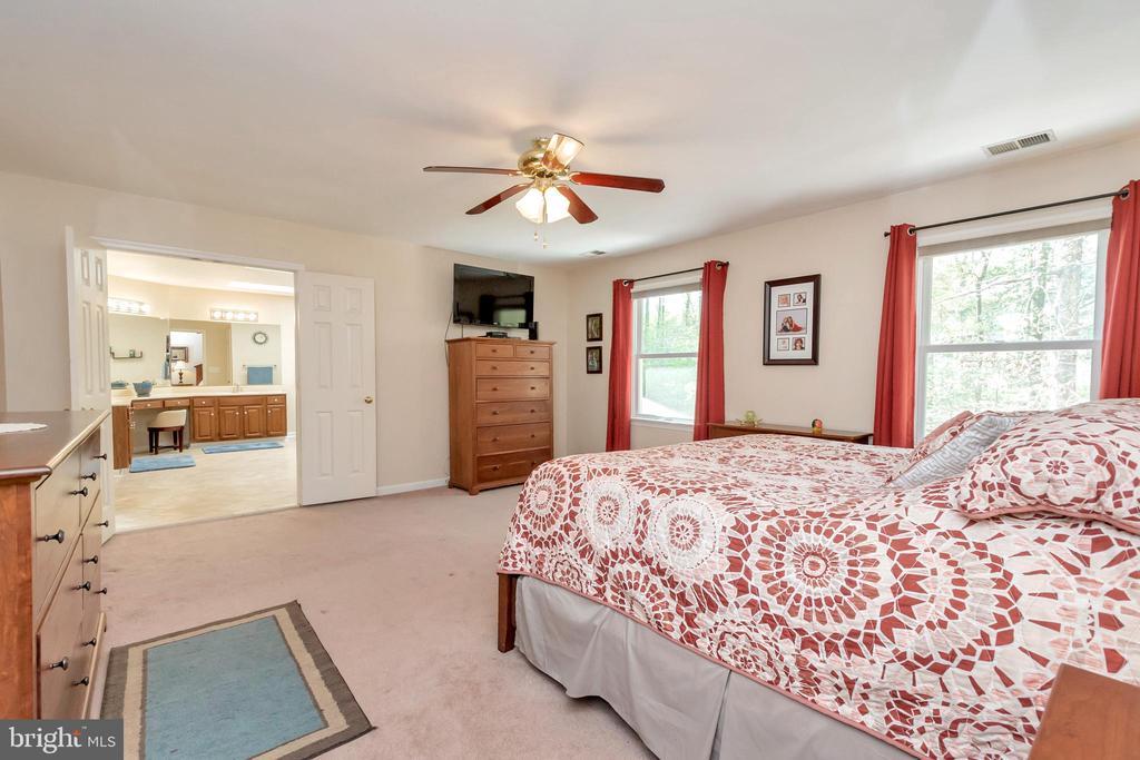 Large master bedroom - 2999 LUSITANIA DR, STAFFORD