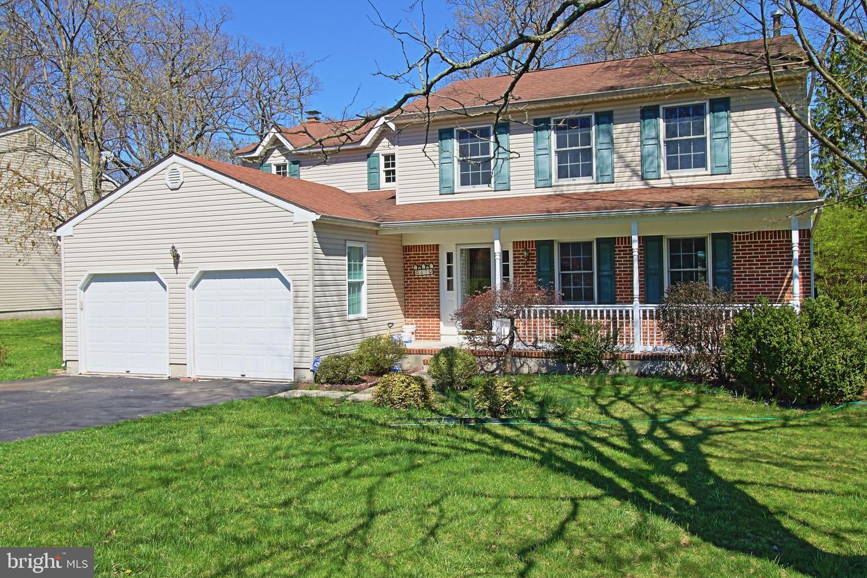 Частный односемейный дом для того Продажа на 47 PINECREST Road Somerset, Нью-Джерси 08873 Соединенные ШтатыВ/Около: Franklin Township
