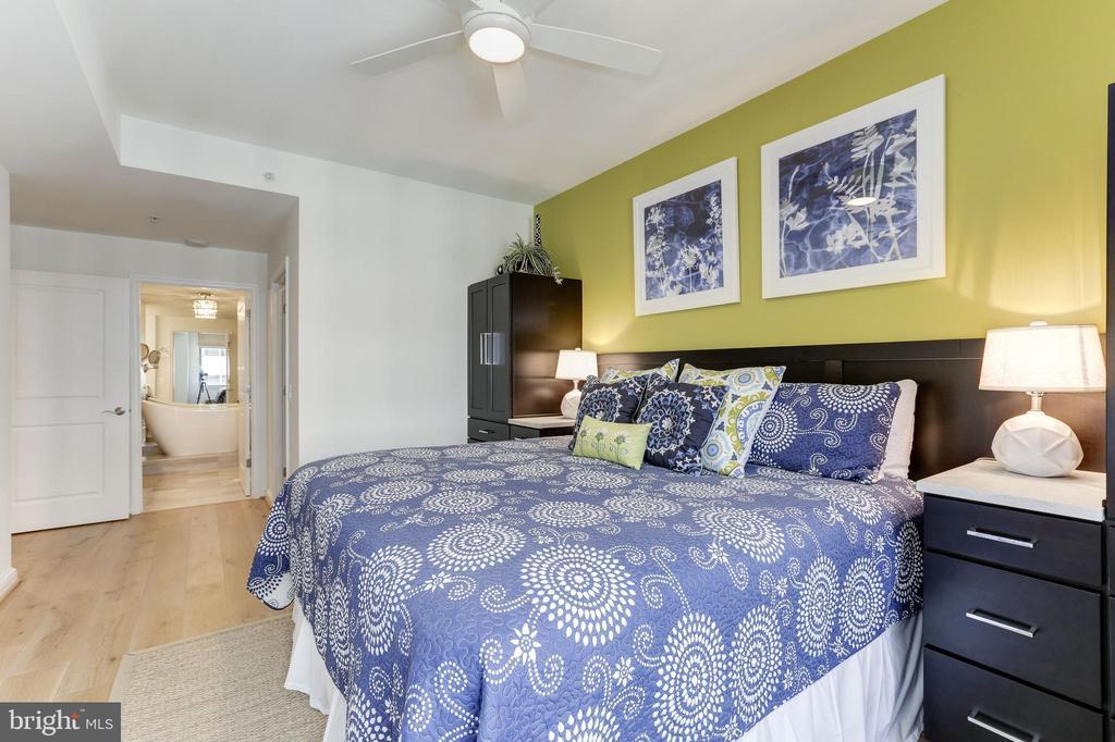Master Bedroom with custom built-ins - 11990 MARKET ST #1103, RESTON