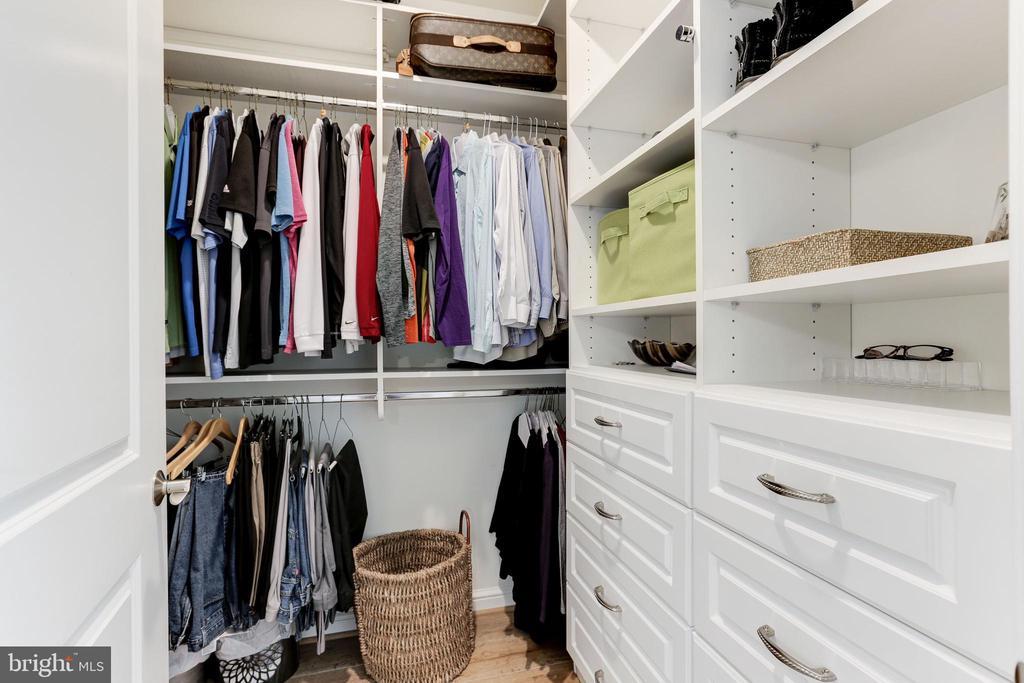 Customized Walk-In Closet - 11990 MARKET ST #1103, RESTON