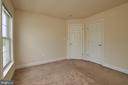 One of the three spacious bedrooms. - 1220 S GLEBE RD, ARLINGTON