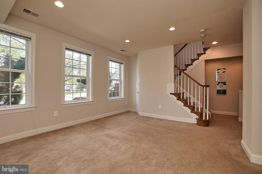 Lower level (above ground) family/recreation room. - 1220 S GLEBE RD, ARLINGTON
