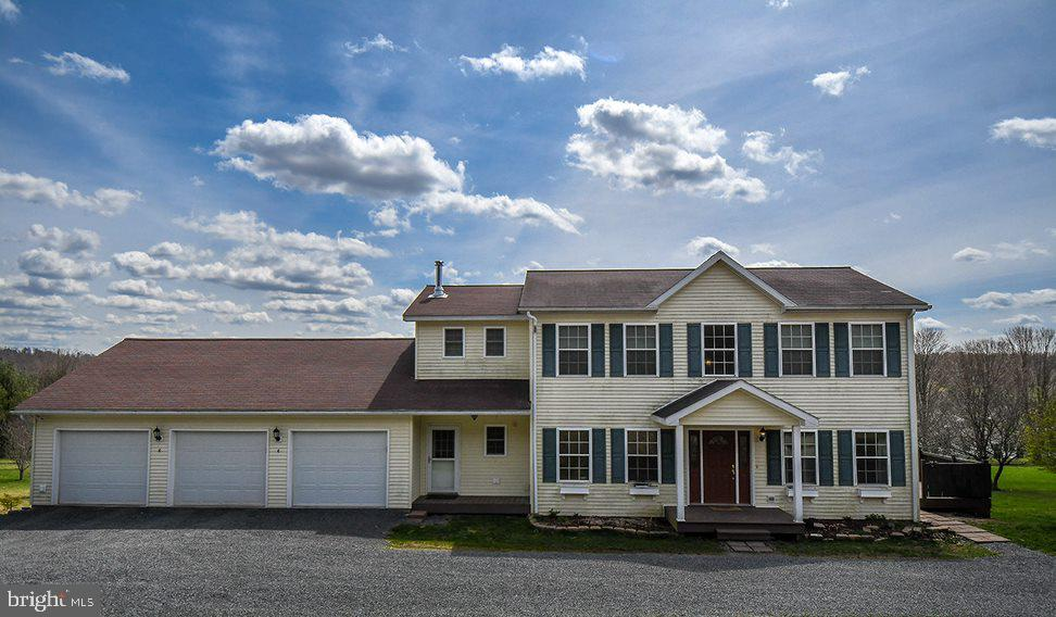 Single Family for Sale at 172 Kelly Dr Oakland, Maryland 21550 United States