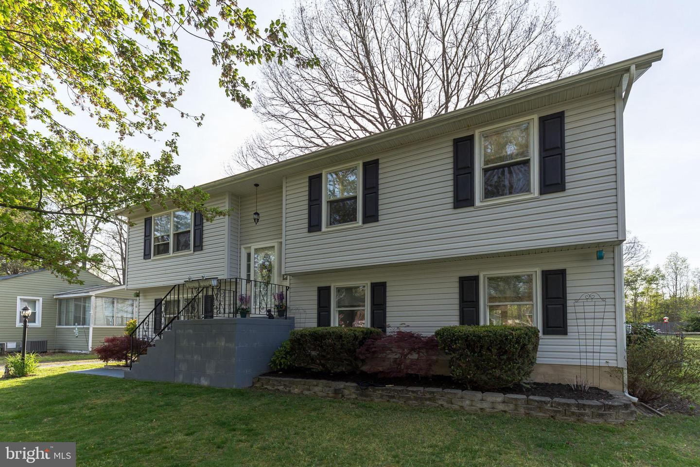 Single Family for Sale at 11920-C Montgomery Ln 11920-C Montgomery Ln Waldorf, Maryland 20602 United States