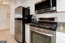 Gas stove top with microwave - 555 MASSACHUSETTS AVE NW #217, WASHINGTON