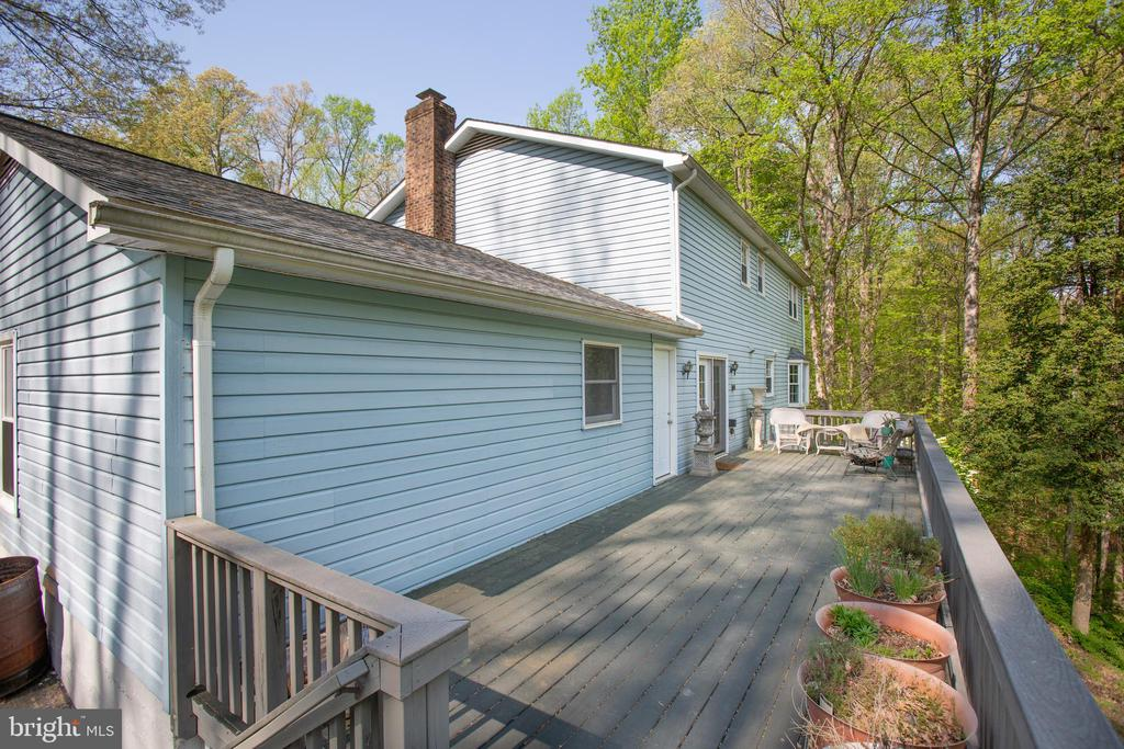 Deck - 20 BOB WHITE LN, STAFFORD